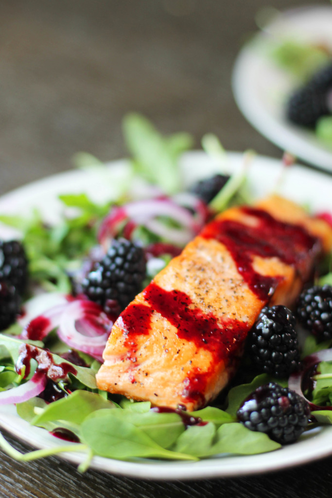 Recipe for Pacific Northwest style salmon with a deliciously tangy blackberry sauce/dressing.
