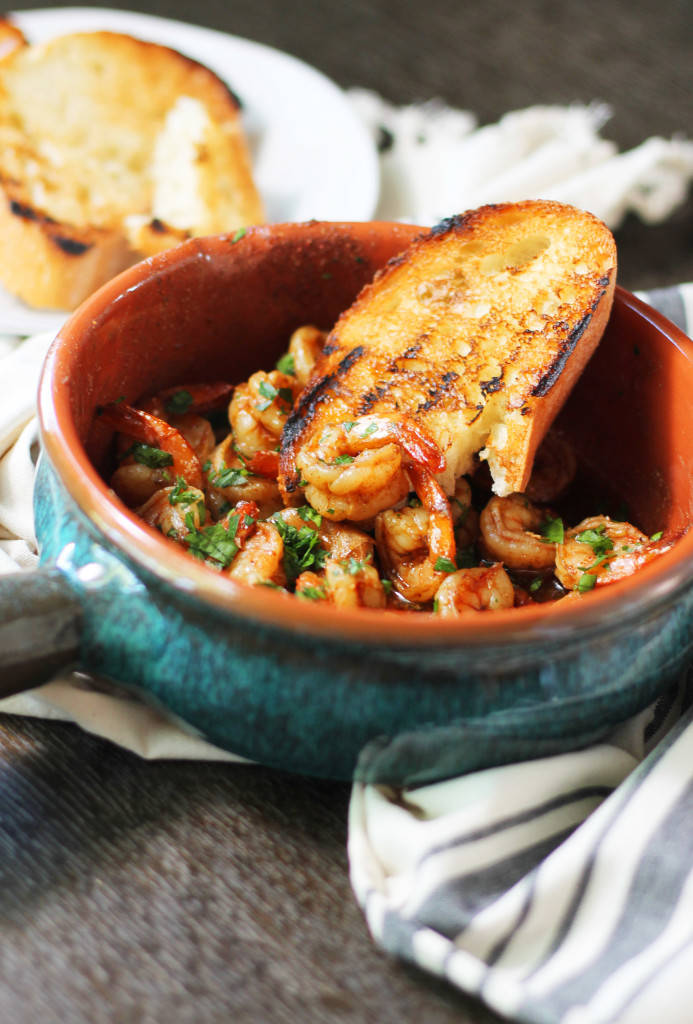 EASY Spanish Shrimp Tapas recipe. So much Spanish flavor packed into one little dish.