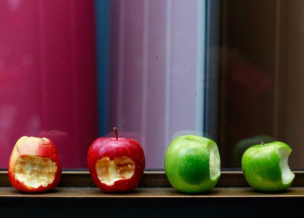 apples-bitten_2020678i